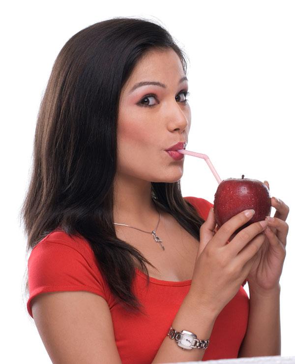 Apple cider vinegar gargle sessions will help