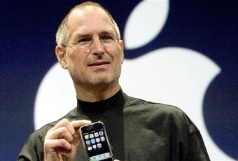 Apple brings back Steve Jobs