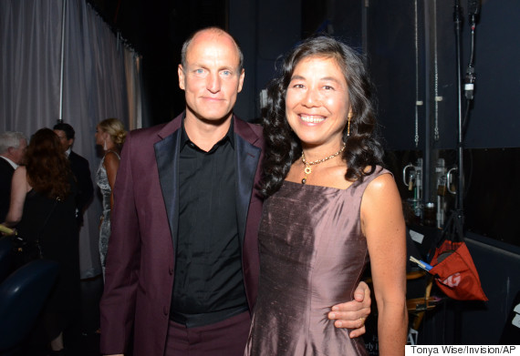 Woody Harrelson, Laura Louie
