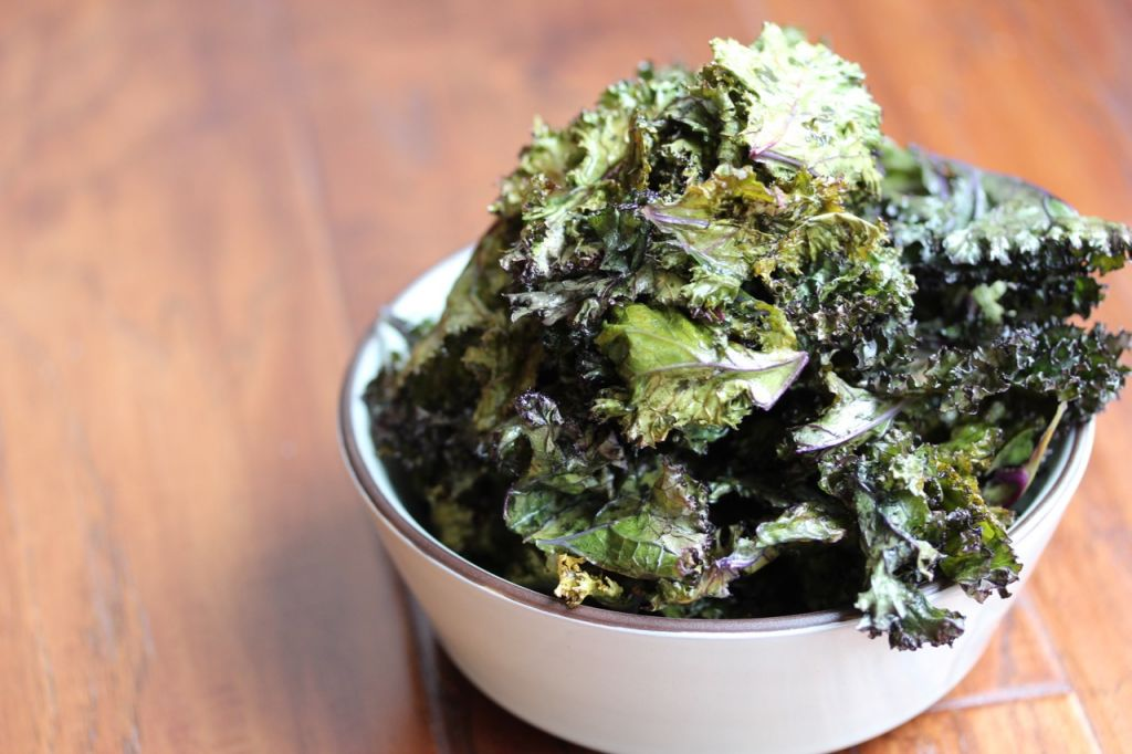 Oven Baked Lemon Kale Chip