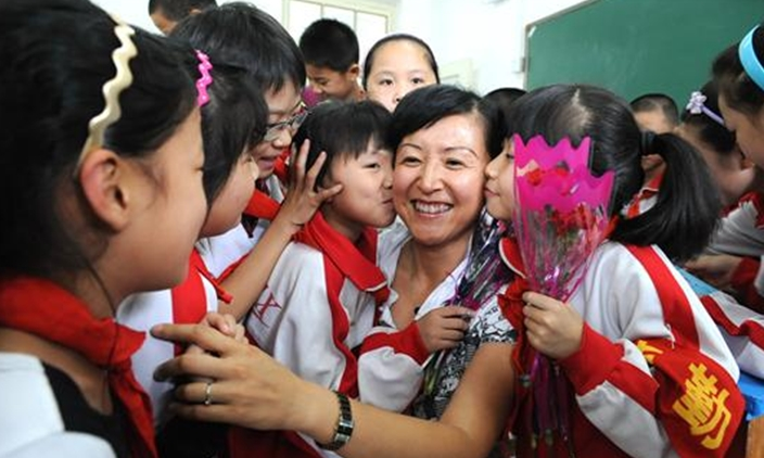 Teachers-Are-Worshipped-In-China