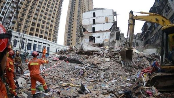 Collapsing-Buildings
