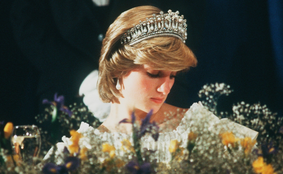 Wearing-the-Queen-Mary-Tiara