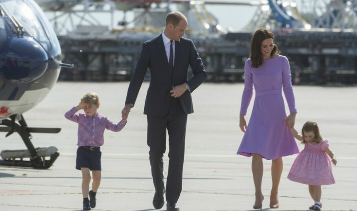 Two-Heirs-to-the-Throne-Cannot-Travel-Together