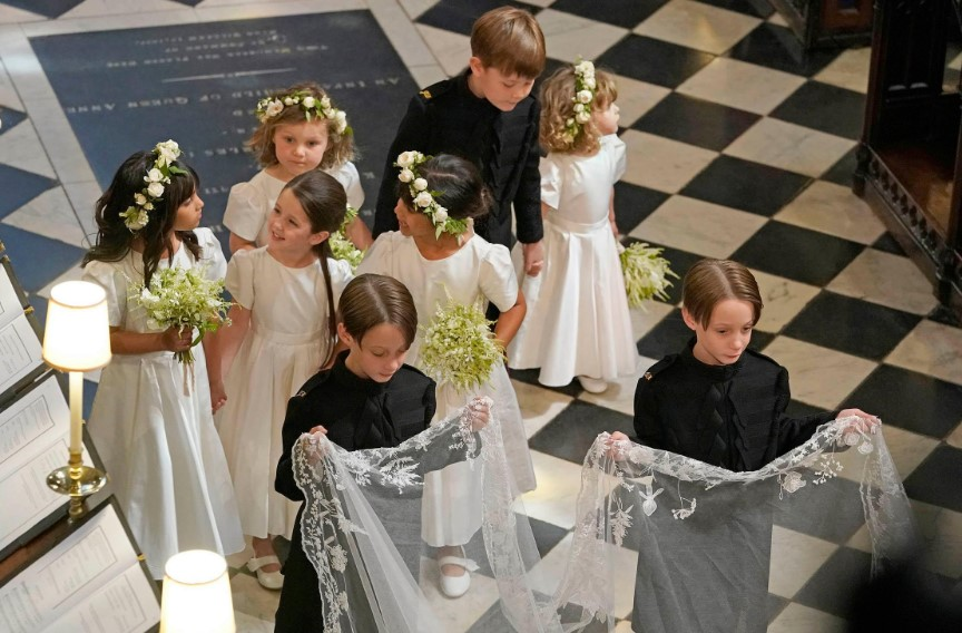 Bridesmaids-and-Pageboys