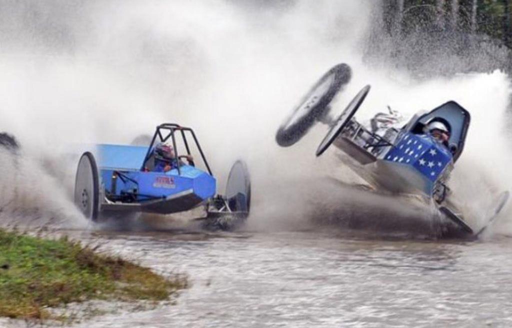 Swamp Bugging Racing